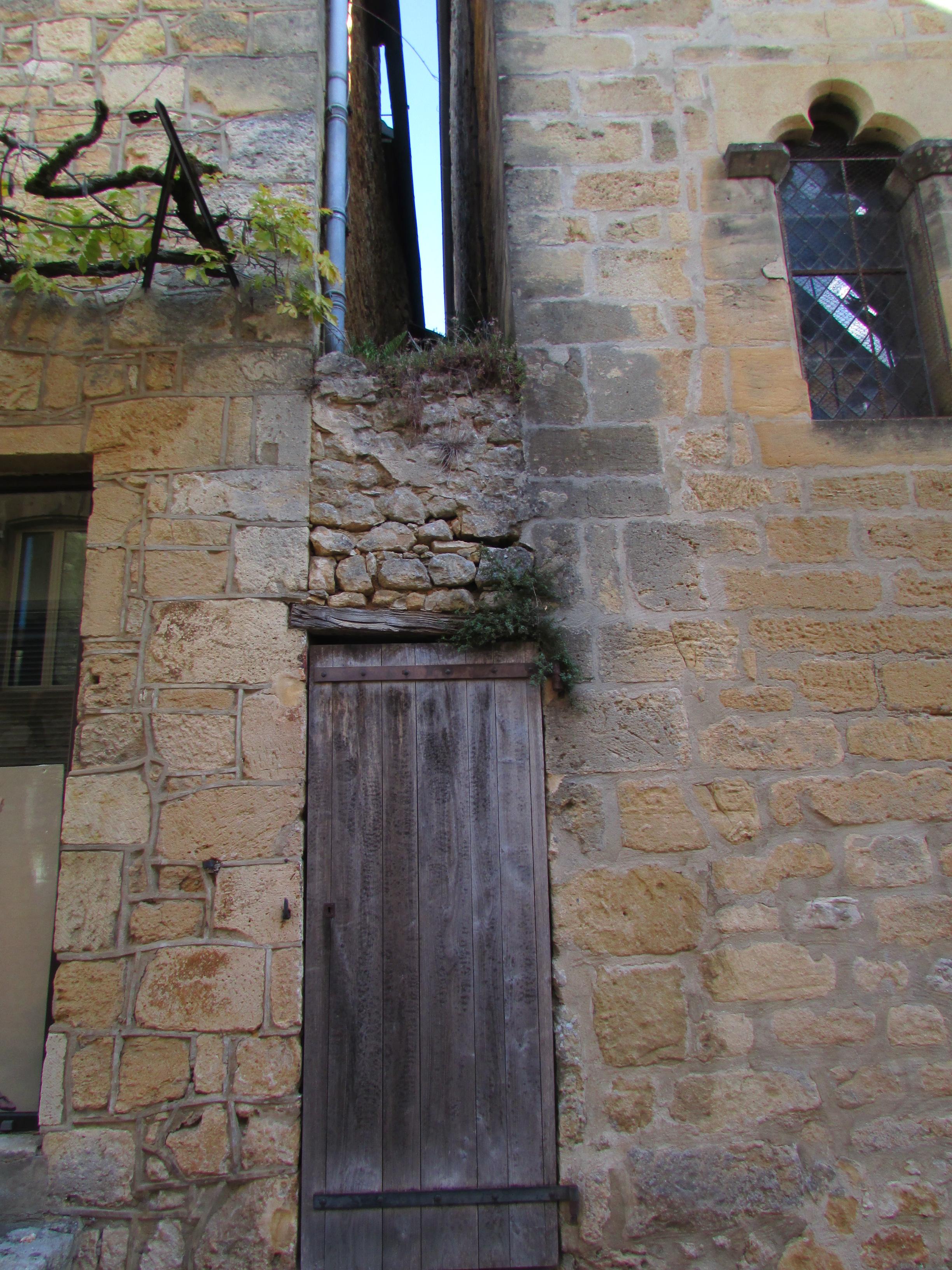 Portes anciennes wk domme daglan for Huis clos fenetre